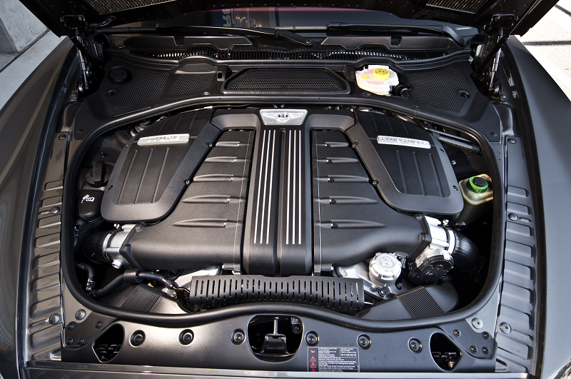2013-bentley-continental-gt-speed-w12-engine-view.png