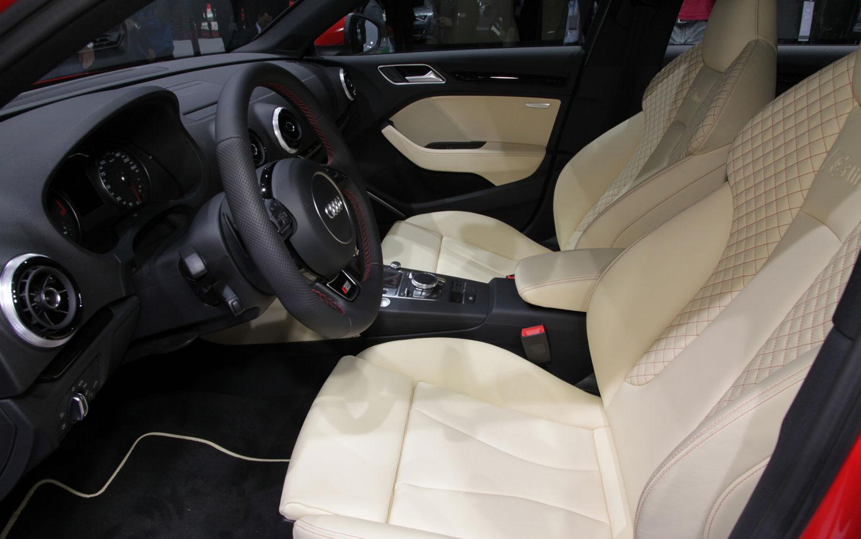Embroidered Diamond Stitched Super Sport Seats - S3
