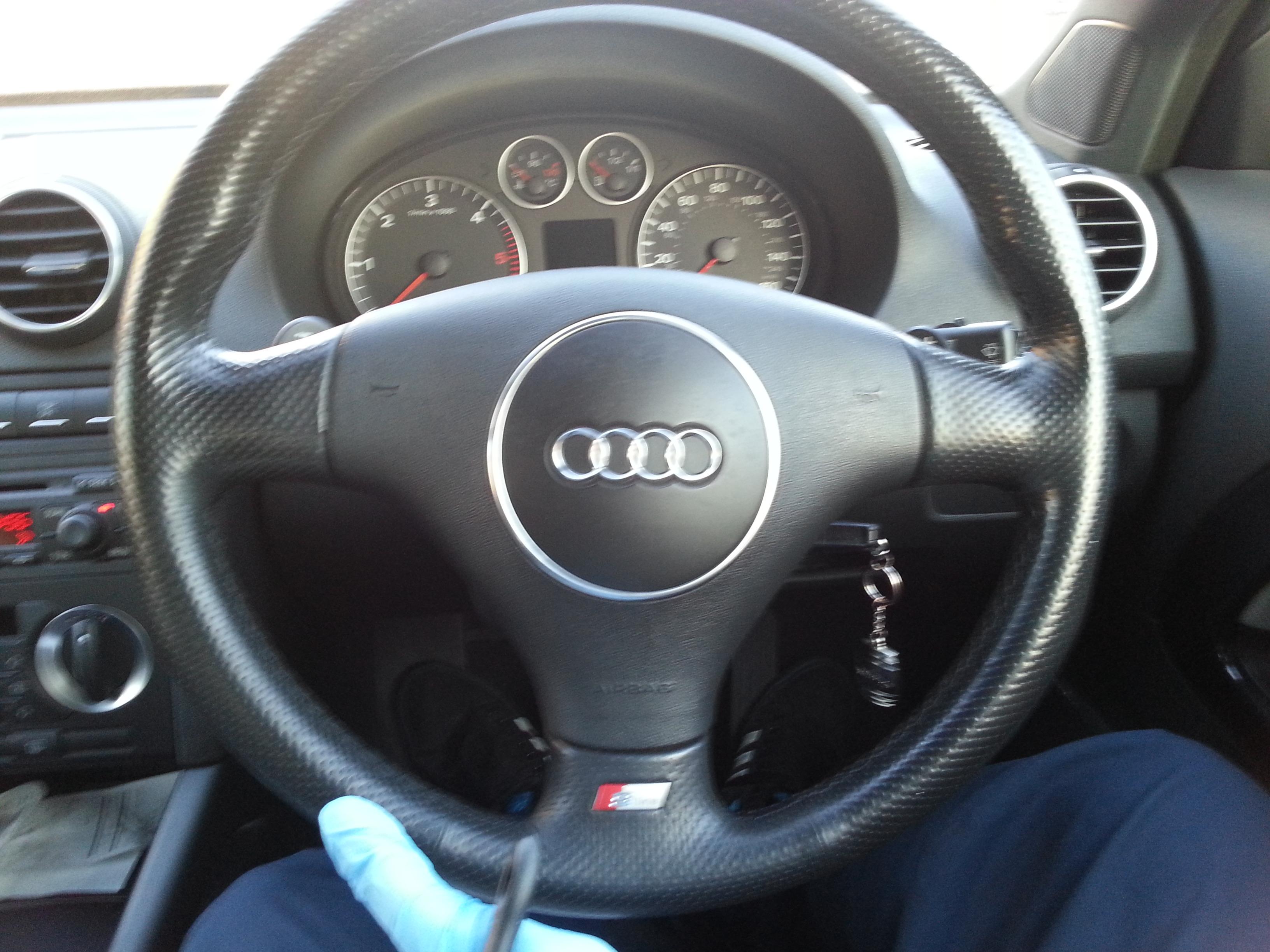 how to clean steering wheel