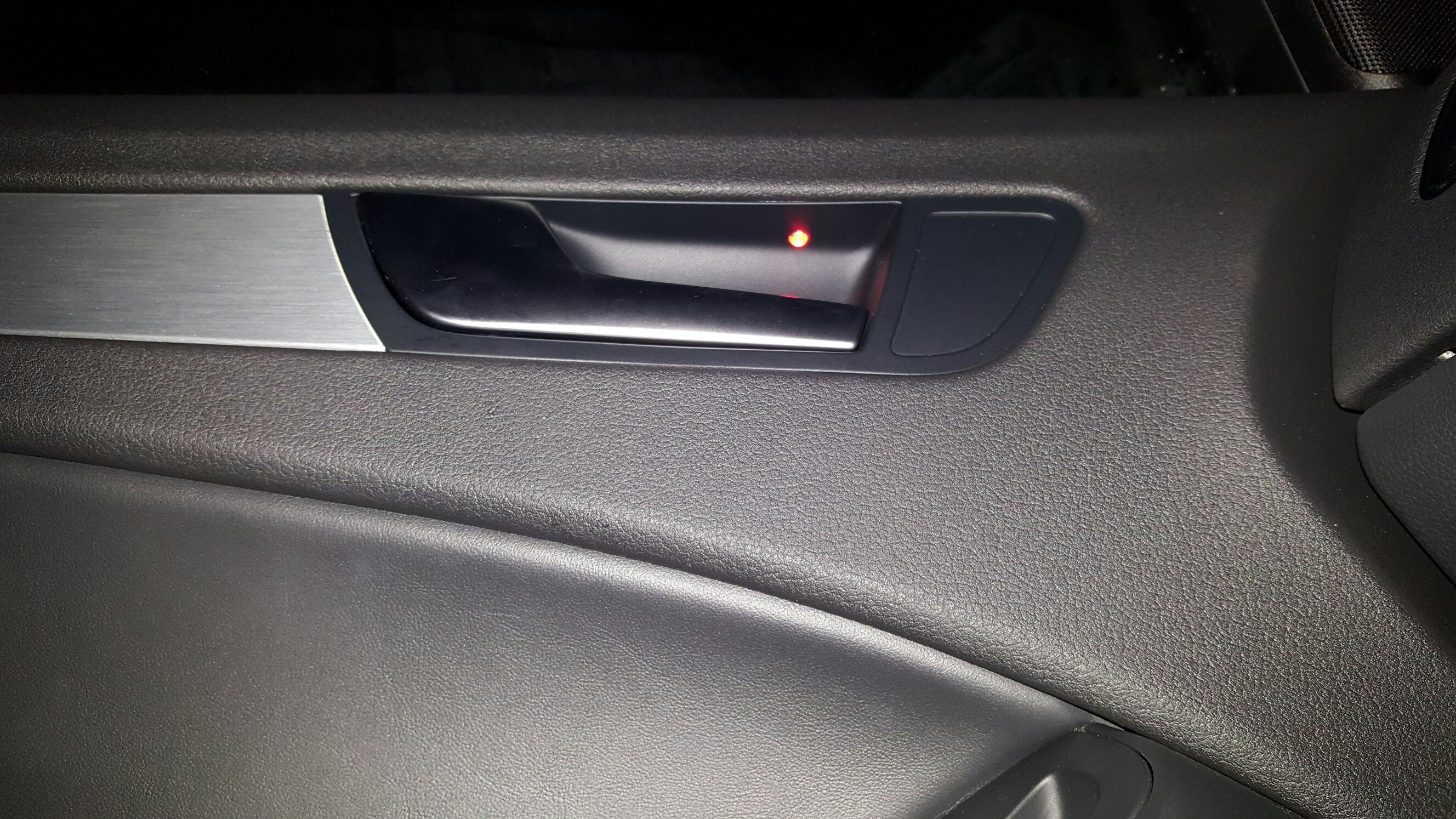 Glove box light retro fit and puddle light information | Page 2