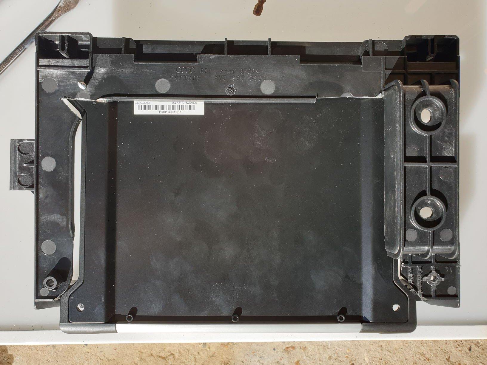 amp mounting from below.jpg