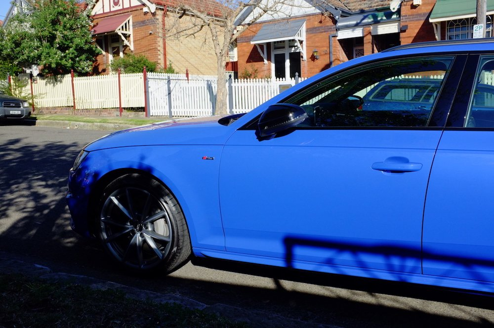 Audi A4 Avant Exclusive Nogaro Blue - Daylight 001 Small.jpg