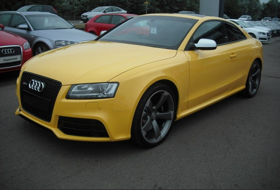 Audi RS5 Imola Yellow 1.jpg