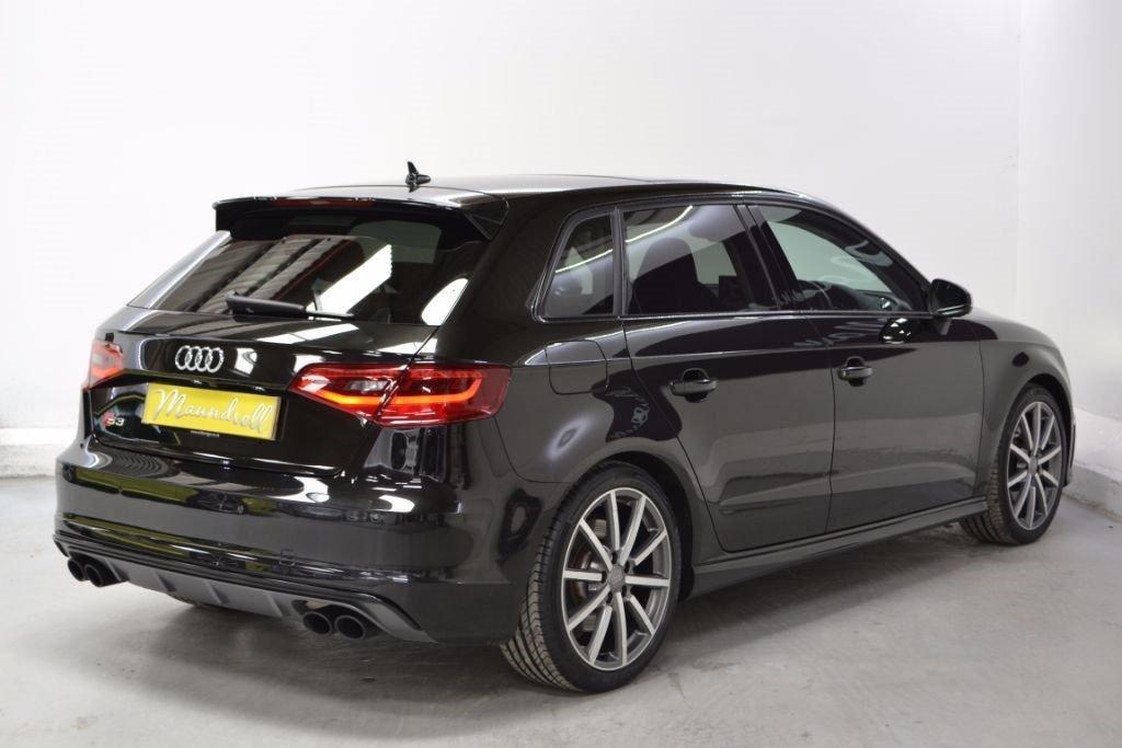 audi-s3-hatchback-petrol_36866386.jpg