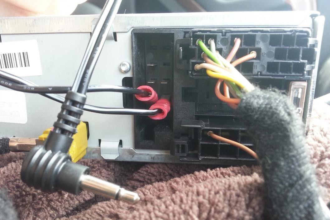 Aux cable straight into Audi Concert AudiSportnet