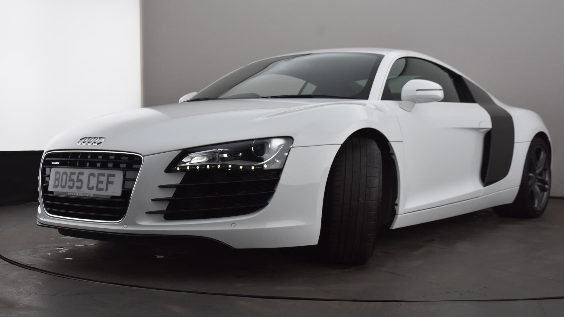 BO55CEF-used-AUDI-R8-COUPE-4-2-FSI-430-Quattro-2dr-Petrol-Manual-WHITE-2012-highlights-HH-L-23.jpg