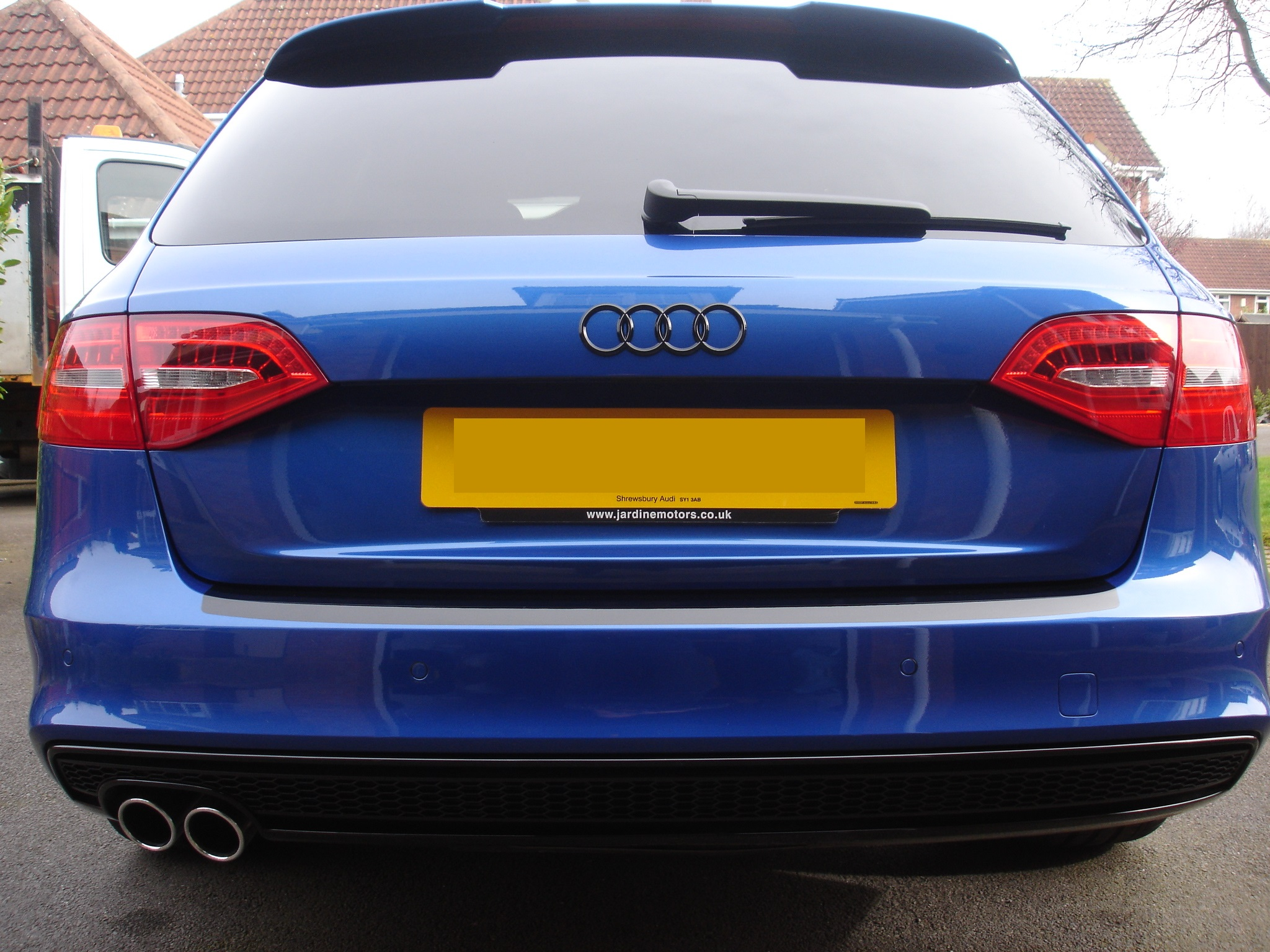 Car washed and black badges fitted | Audi-Sport net