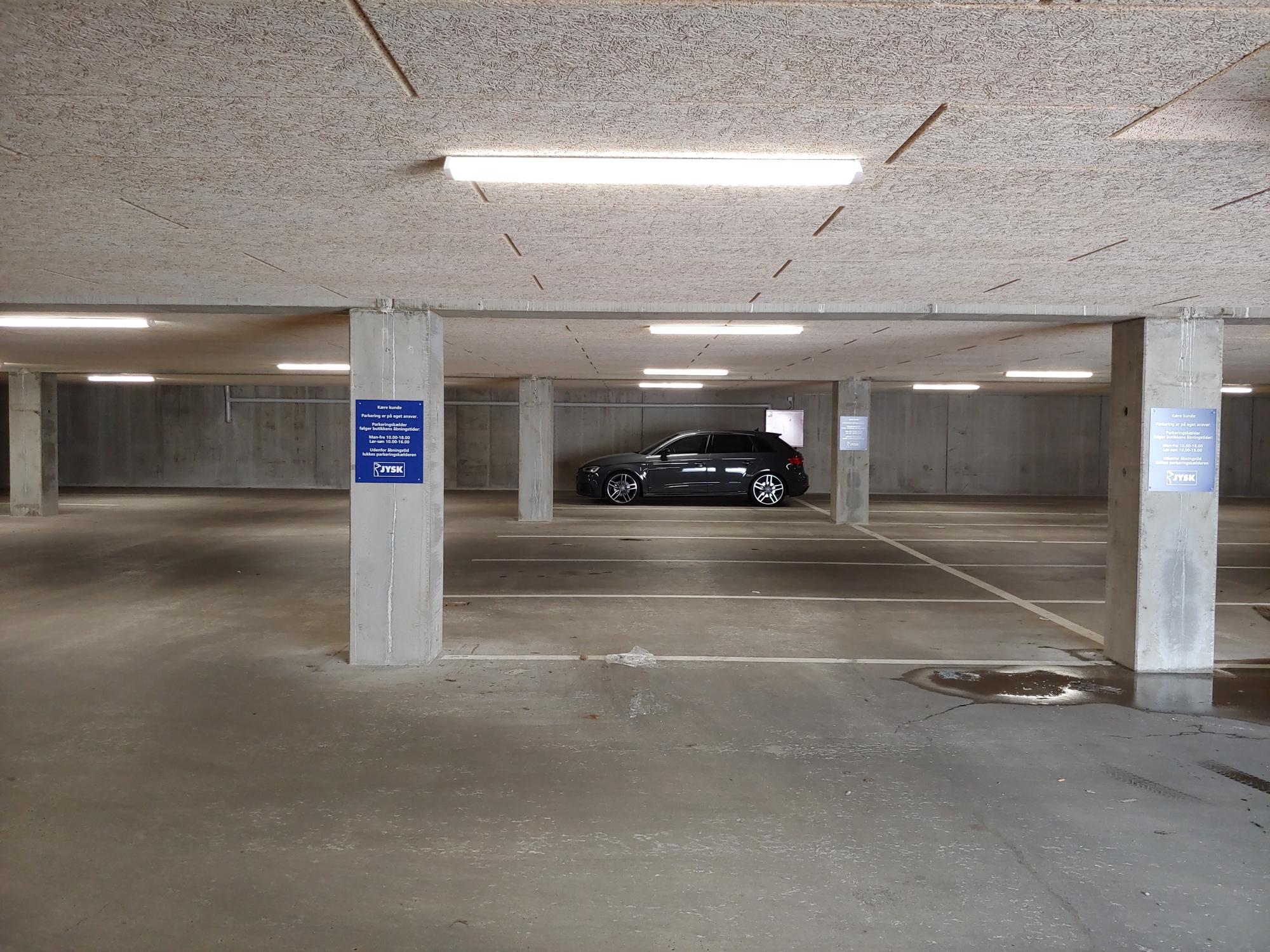 Extreme parking 1.jpg