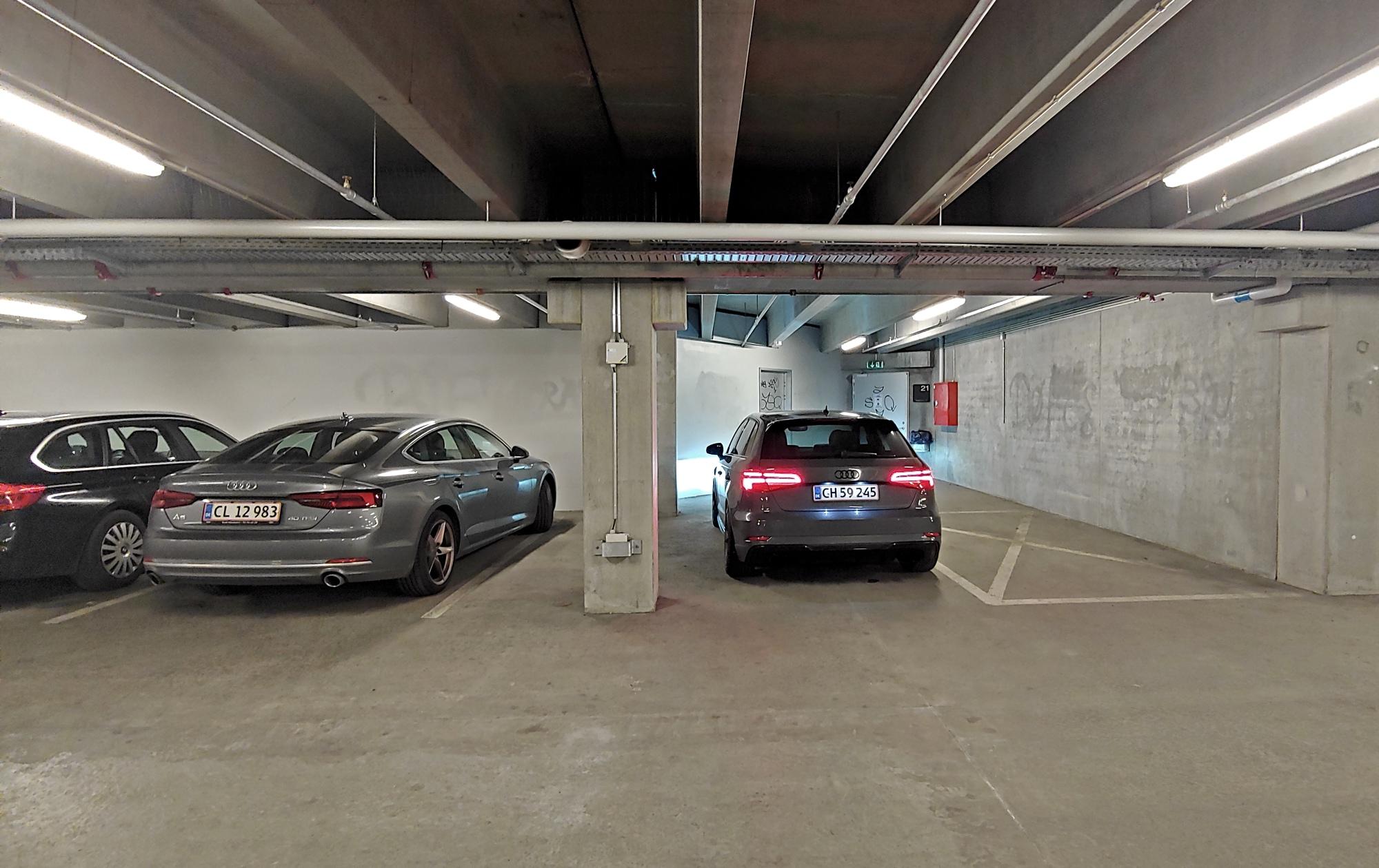 Extreme parking 5.jpg