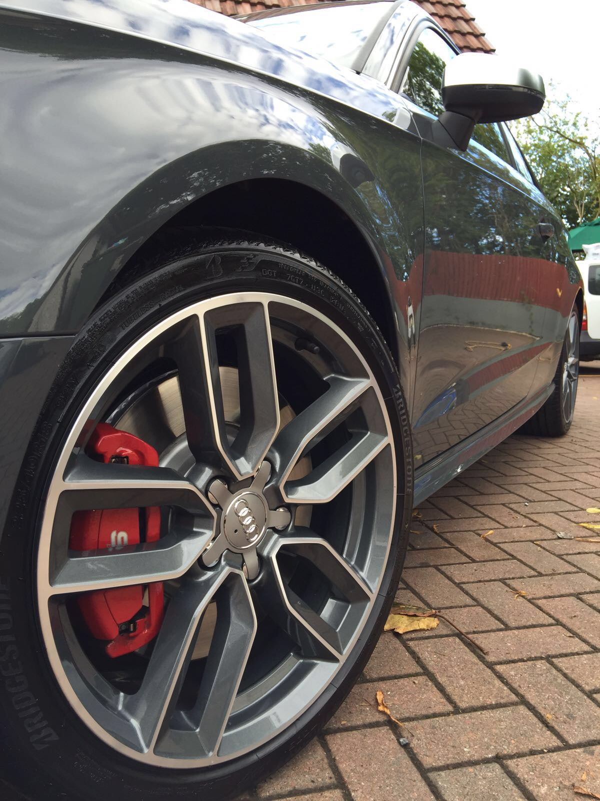 Facelift - Painted Red Calipers | Audi-Sport.net