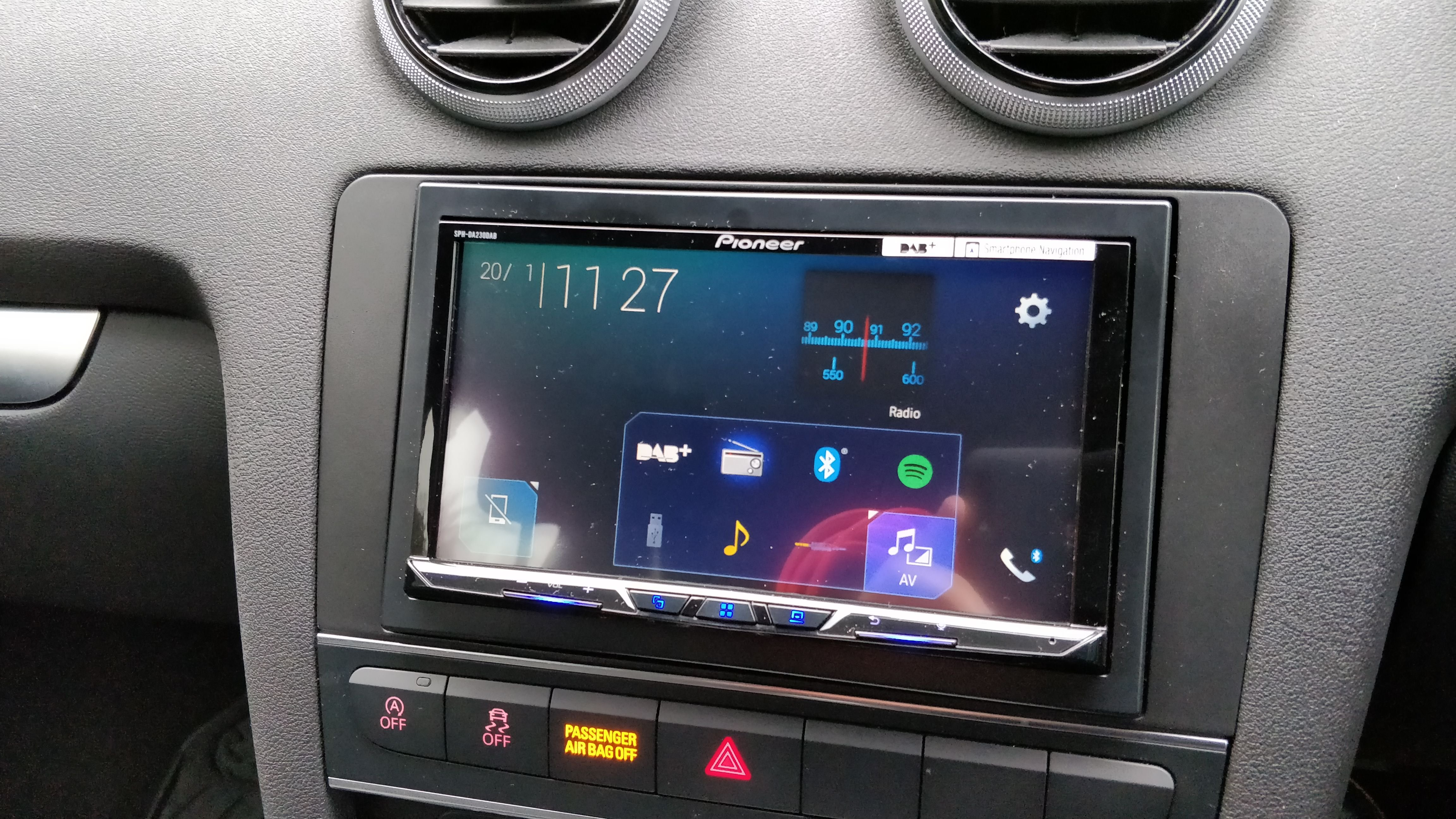 Pioneer CarPlay Headunit, has anyone got one fitted yet
