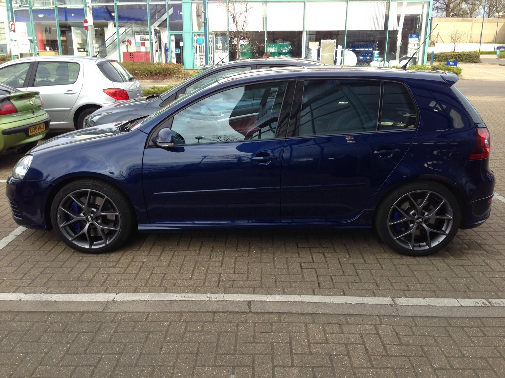 R32 New Wheels.JPG