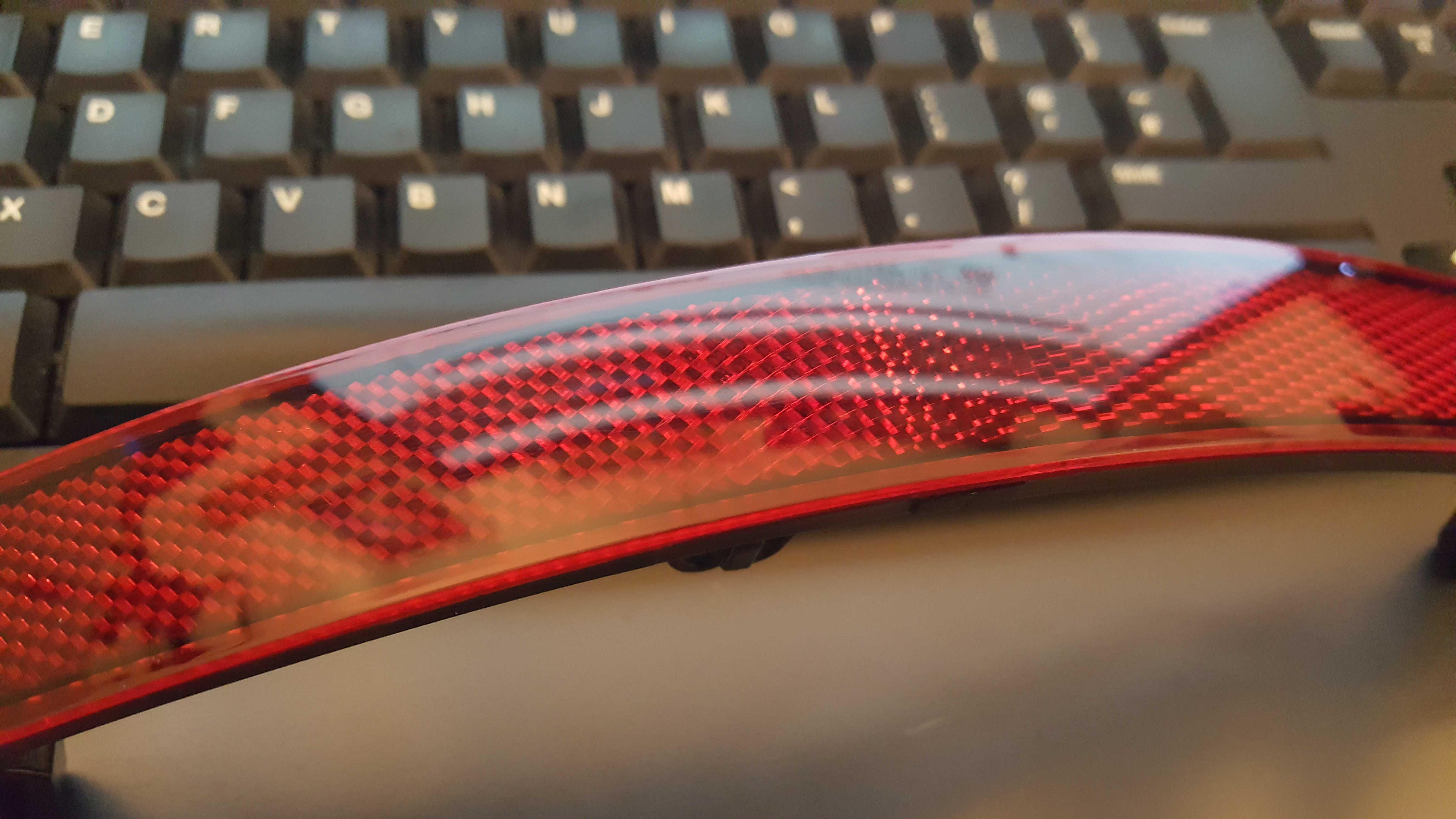 rear bumper reflector clean s.jpg