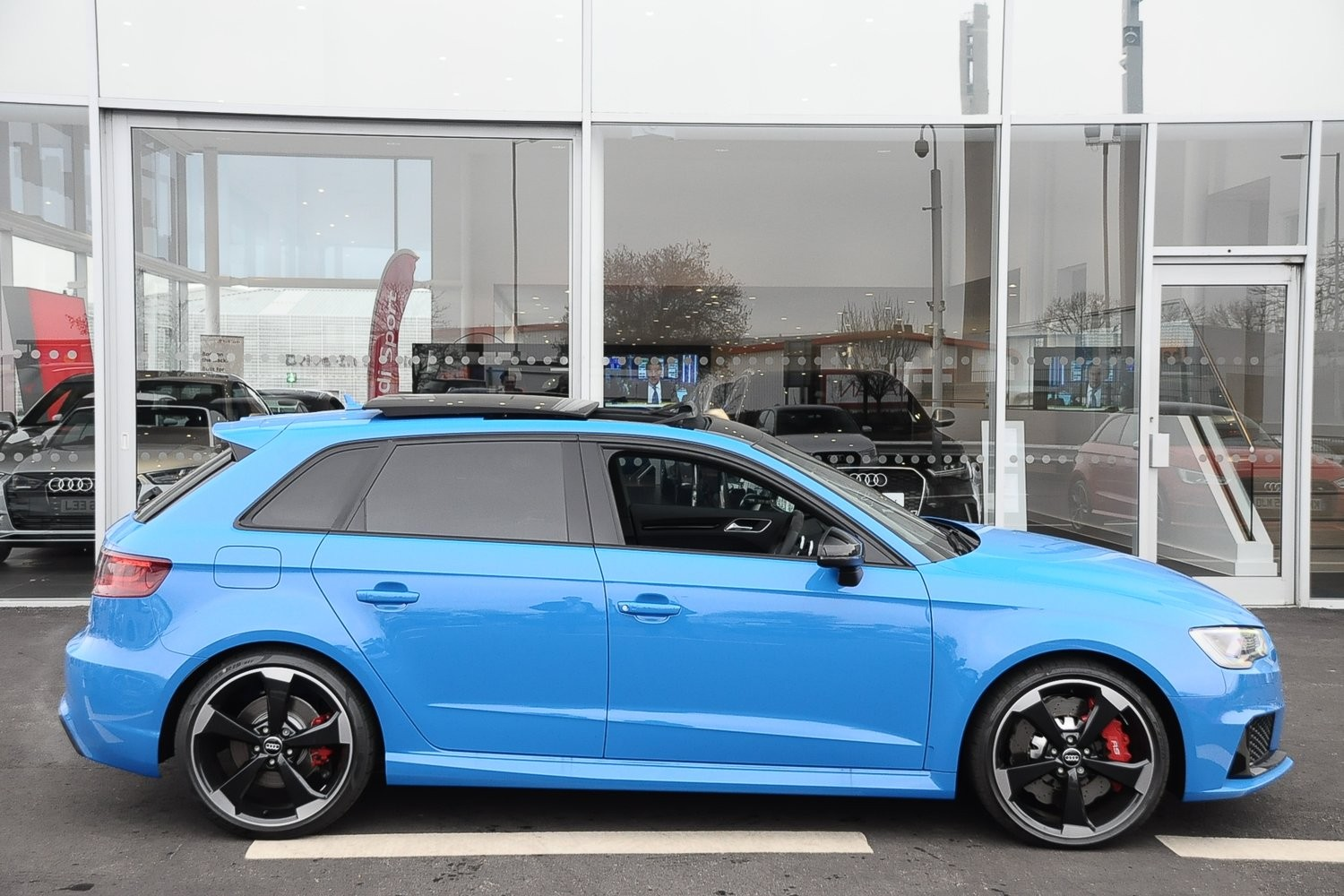 Colour a car - Porsche Voodoo Blue Its Gotta Be The Most Blingy Paint Colour Out There In Audi Land Its A Light Blue Pearlescent Paint Stunning L Think With A