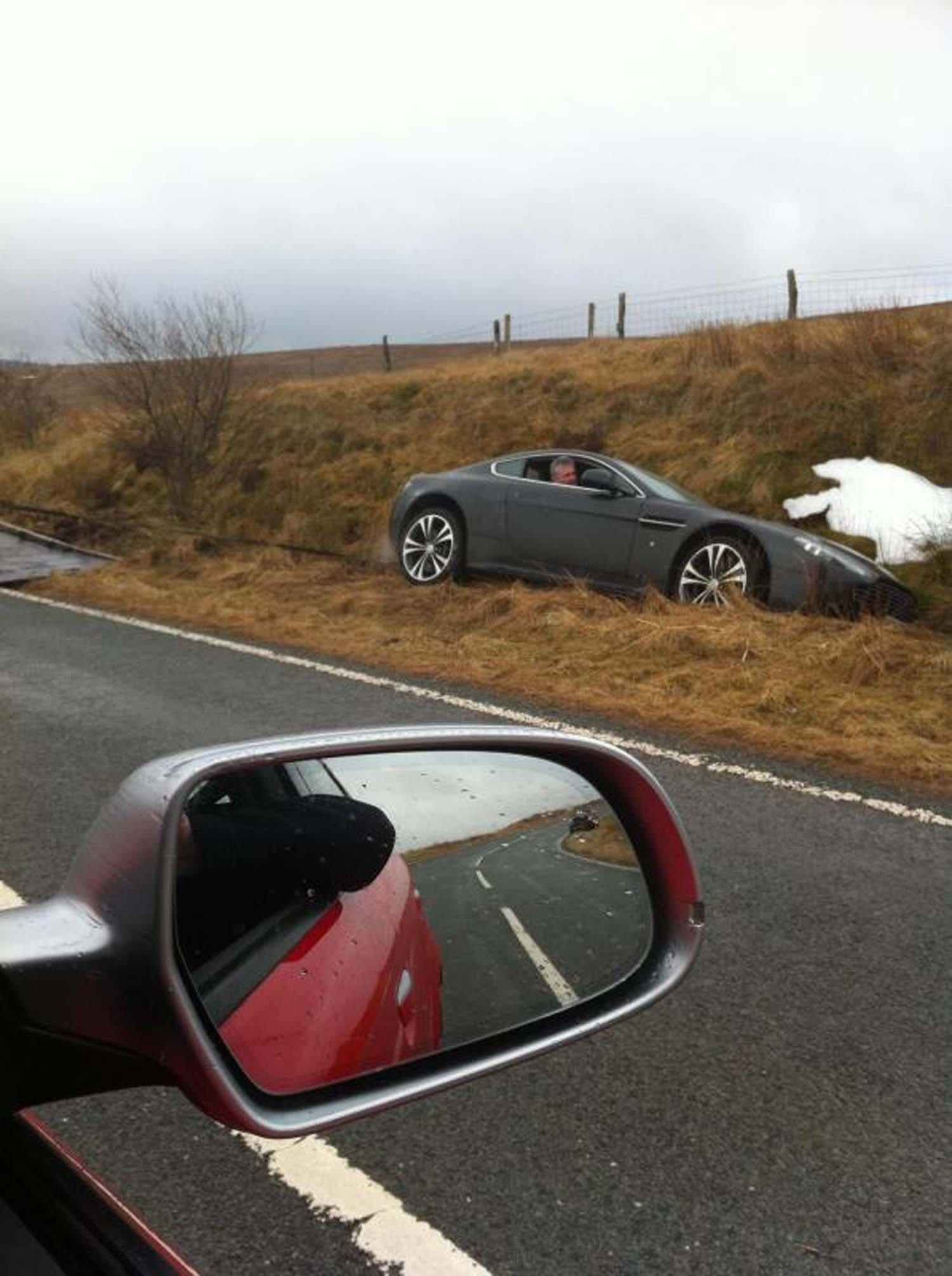 X Aston Martin_1.jpg