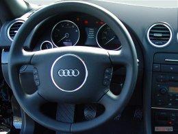 2005-audi-s4-2-door-cabriolet-quattro-manual-steering-wheel_100272141_m.jpg